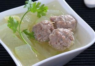 冬瓜ときくらげと肉団子のスープ