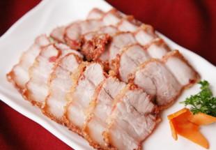 赤米麹を使ったサクッとジューシーの台湾チャーシュー「紅糟肉」