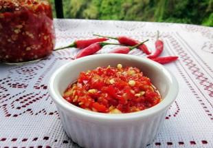 剁椒(自家製刻み赤唐辛子の漬け物)