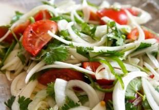 ウイグルサラダ(老虎菜)