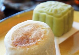 上海鮮肉月餅含め月餅2種とデザートと季節のフルーツ